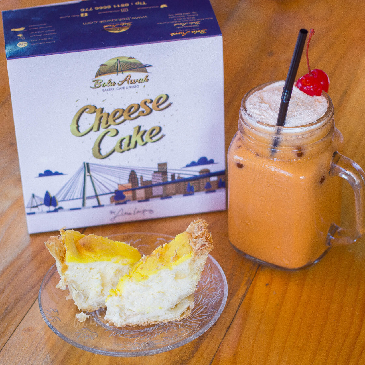 Bolu Awak – Cake Kekinian dari Arie Untung dan Fenita Arie