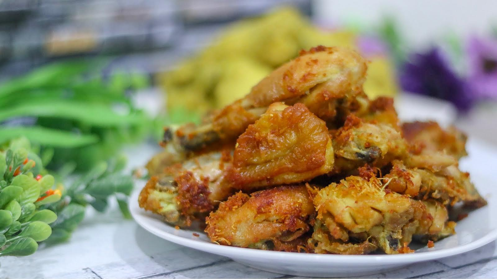 Fried Chicken with Turmeric and Herbs Recipe